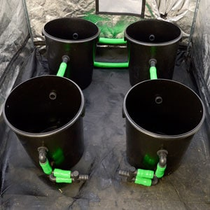 how to install 4 buckets with green hose