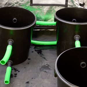 Two buckets connect to other buckets
