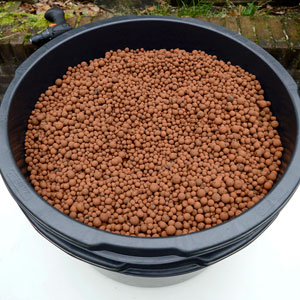 Hydro pellets on the tub