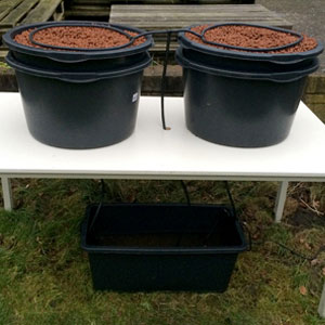 Two tubs with hydro pallets