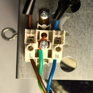 Install light and connect power cable to lamp
